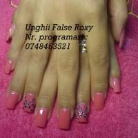 Salonul Unghii False Roxy - 2